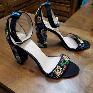 Pelle Moda Embroidered Bonnie Suede Sandal. Size 9